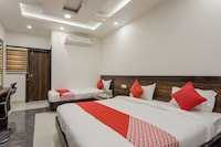 OYO 14355 Hotel Kasturi Deluxe