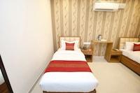 OYO 14392 Hotel Pearl wood