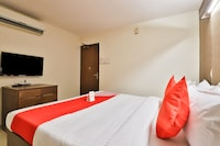 OYO 14411 Hotel Royal