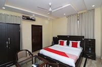OYO 14458 Hotel Lotus Inn