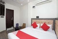 OYO Flagship 14468 Hotel Divine Ganges