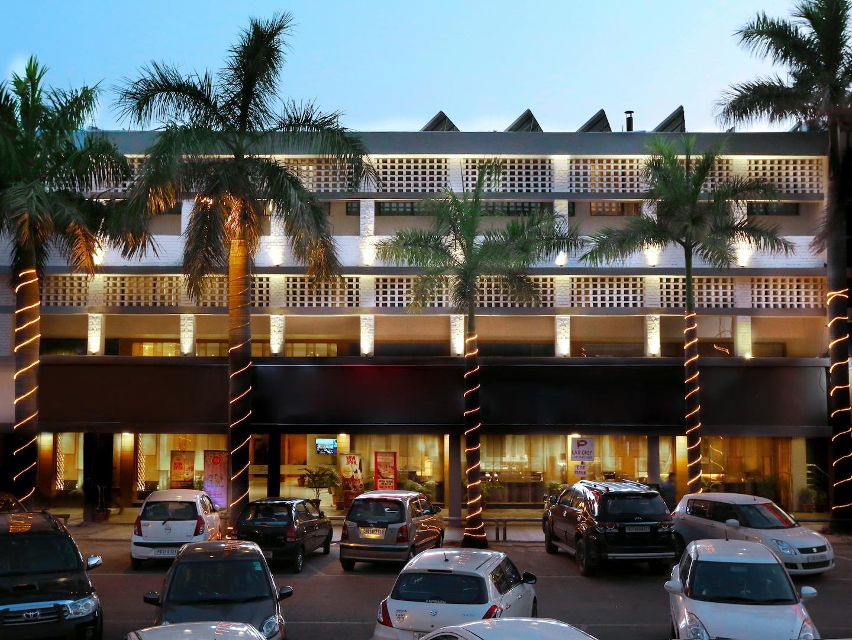 Oyo 2650 Hotel Sunbeam Premium 1
