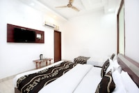 OYO 14515 Hotel Paras Regency