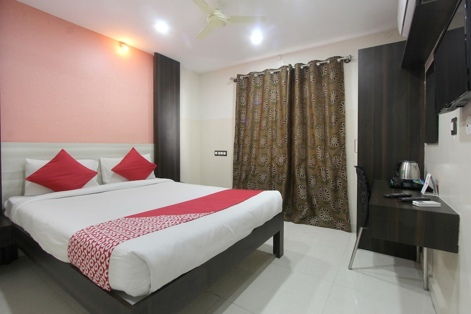 OYO 14520 Habitat Hotel & Suites