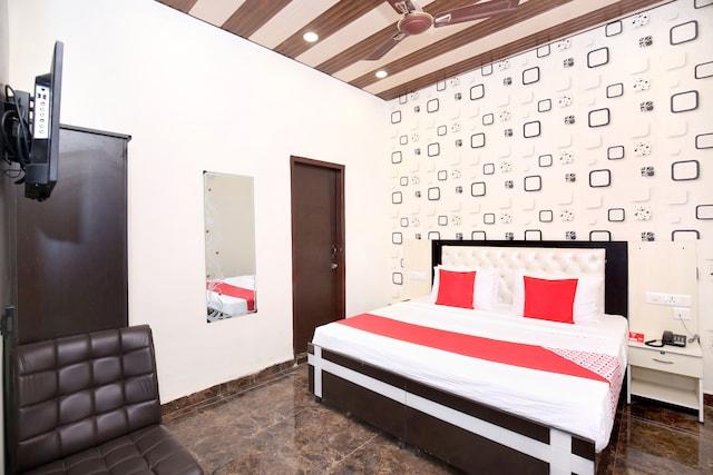 OYO 14529 The Sitara Hotel