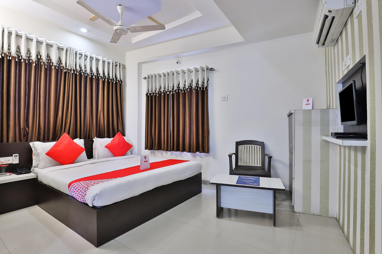 Hotels With Bar In Ahmedabad    U20b9 500  Night