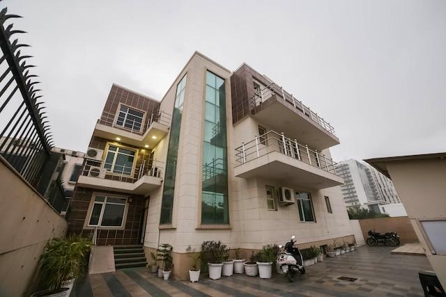 OYO 14545 K S Residency