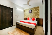 OYO 14565 Hotel Snazzy