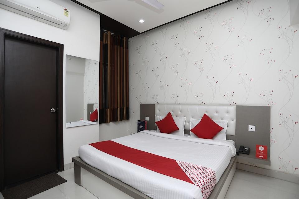 OYO 14584 Hotel Mangalam Inn
