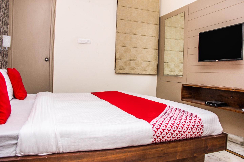 OYO 14600 Hotel Chawla -1