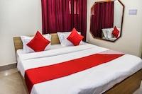 OYO 14606 Holiday Inn Deluxe