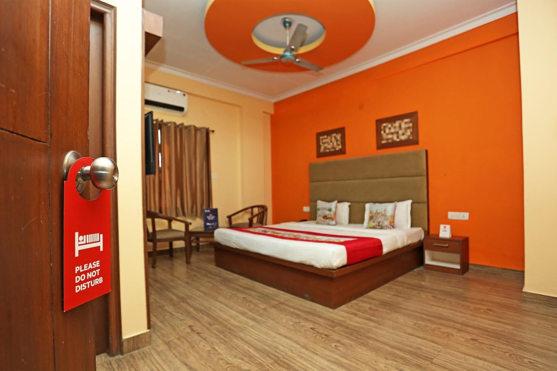 OYO 2667 Hotel Kolam -1