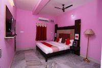 OYO 14673 Aditya Residency