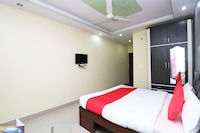 OYO 14708 Hotel Ashiyana