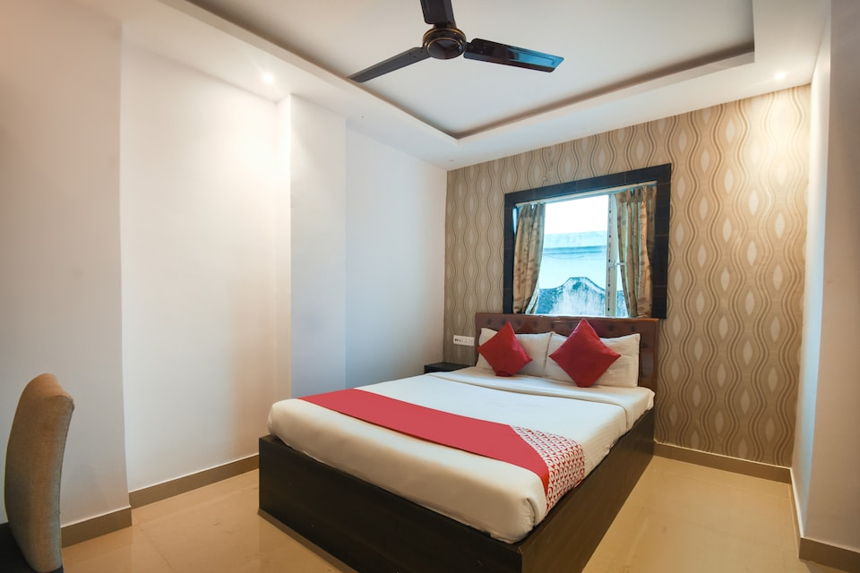 OYO 14778 G R Hospitality, VIP Road Kolkata, Kolkata