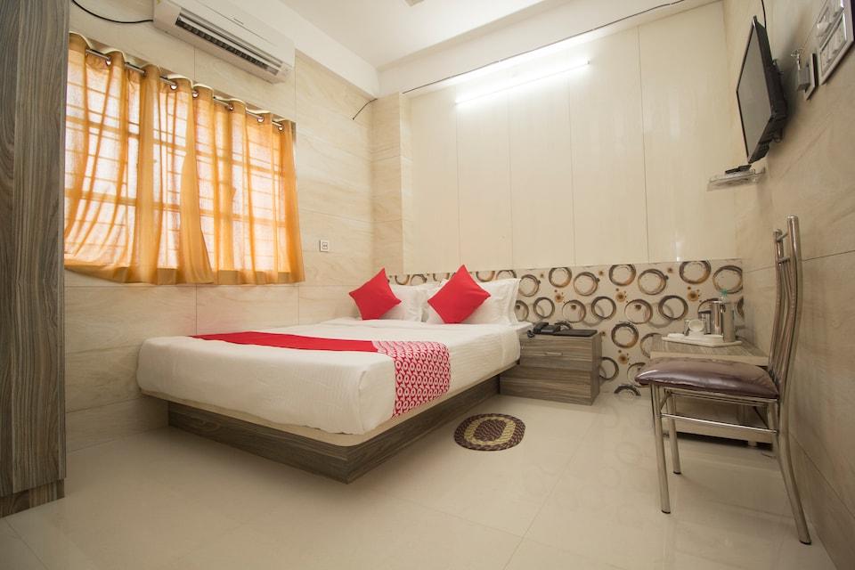 OYO 14795 Hotel Priyanshu