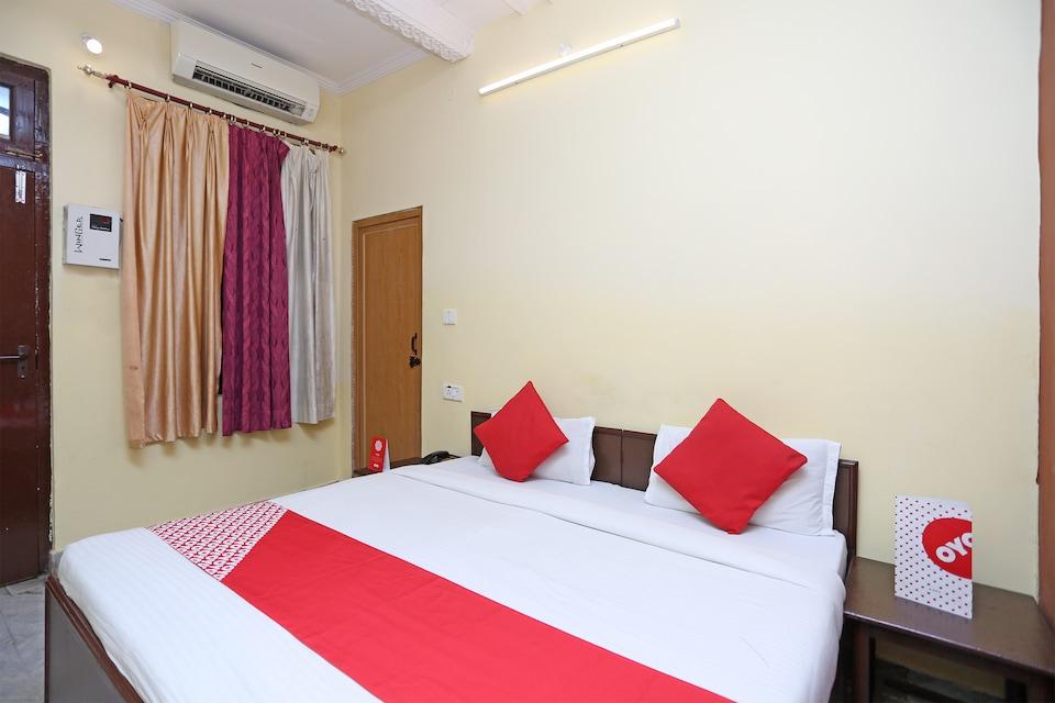 OYO 14800 Hotel Arun