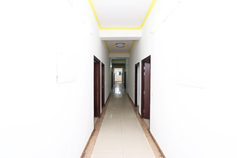 OYO 14802 Hotel Virus Bistro