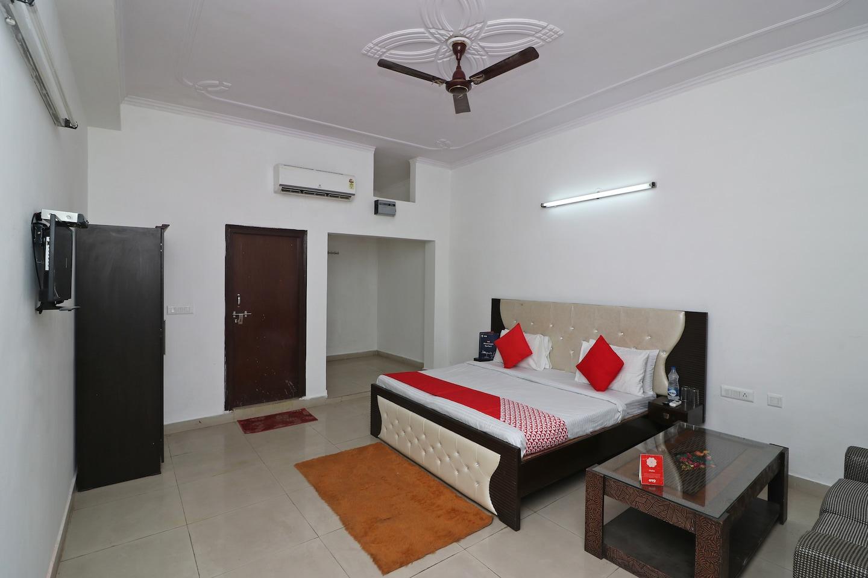OYO 14802 Hotel Virus Bistro -1