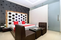 OYO 14829 Hotel J Cruise Deluxe
