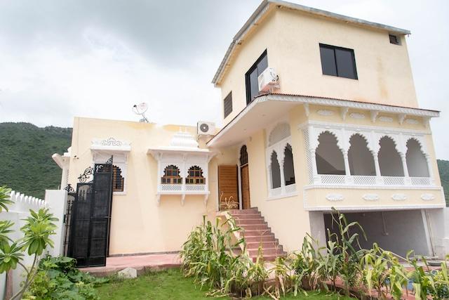 OYO Home 14855 Heritage 4BHK Villa