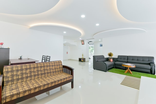 OYO 14866 Home Modern Rooms Airport