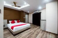 OYO 14869 Hotel Apollo
