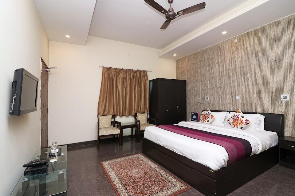 OYO 14890 Siddharth Villa