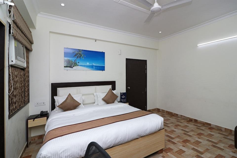 OYO 14909 Hotel Vivid
