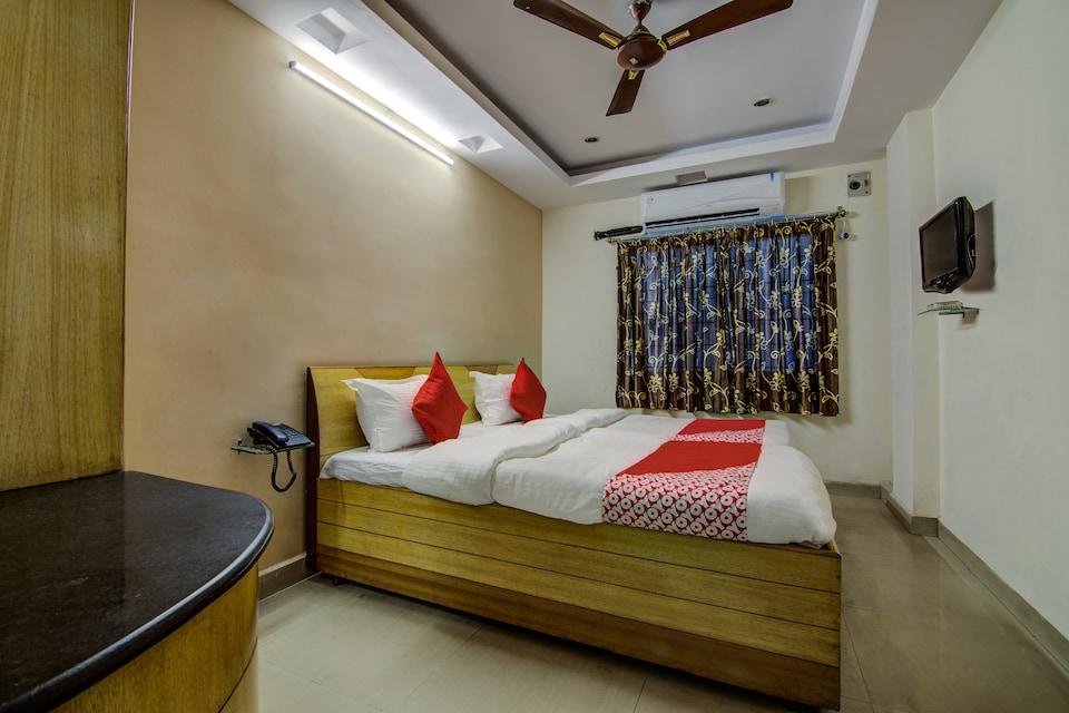 OYO 14910 Sri Ganesh Swathi Residency