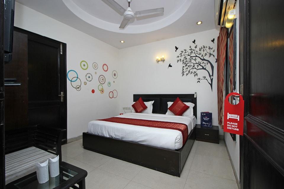 OYO 9030 Hotel Delhi Airport Plaza