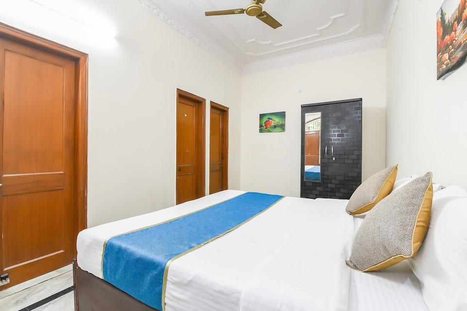 OYO 15080 Aman Inn Guest House