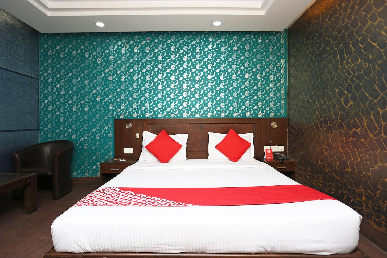 OYO 15096 Hotel Daya Continental -1