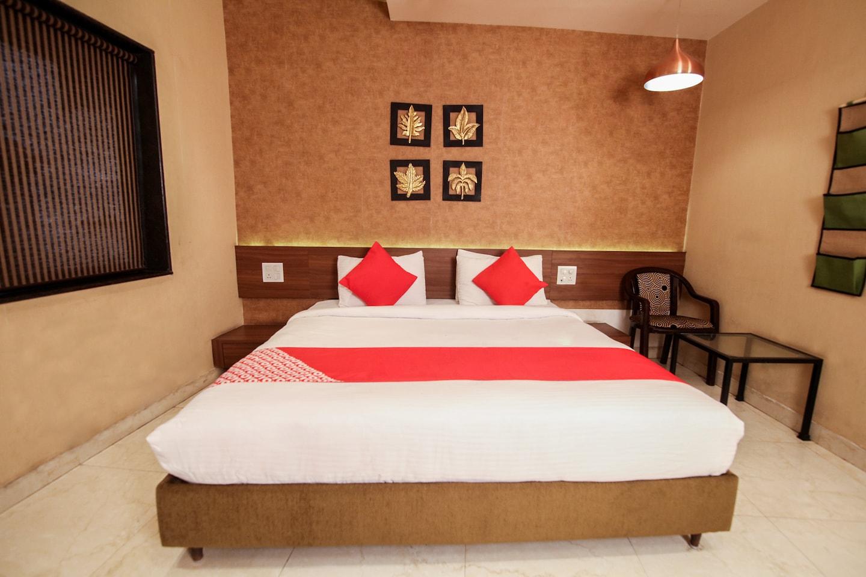 OYO 15123 Hotel Ryaan -1