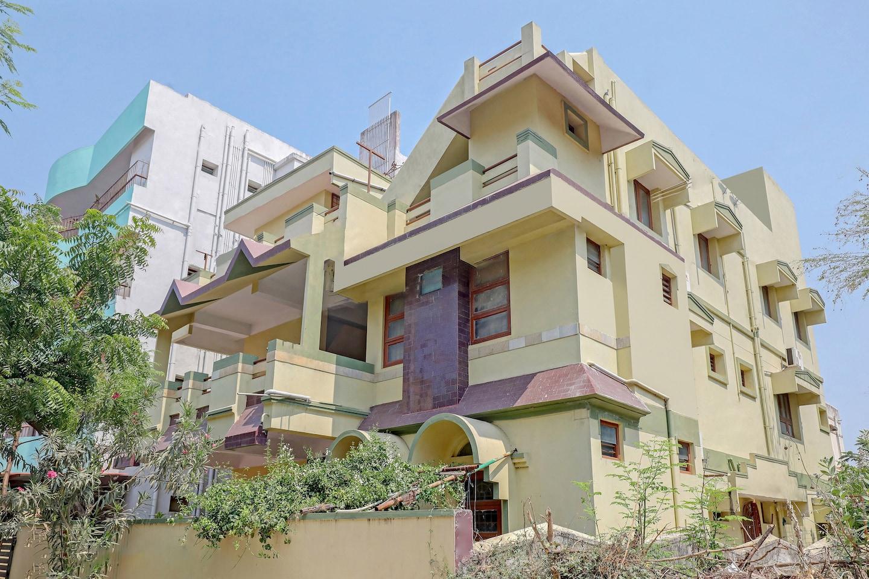 OYO Home 15128 Elegant 2BHK Near Promenade Beach Front  -1
