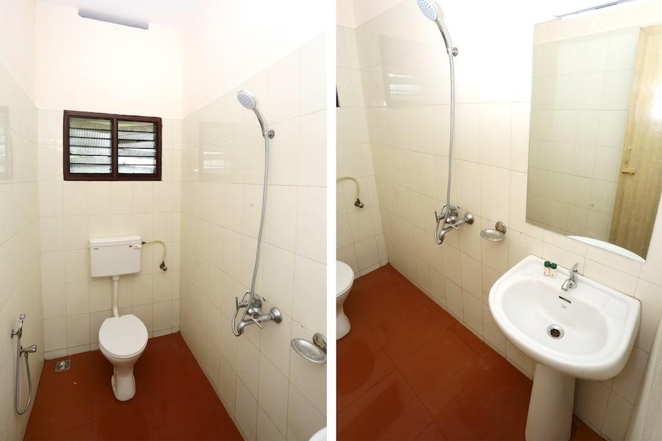 Capital O 15150 Hotel Townhouse Club - Near Airport - Trivandrum, Airport Trivandrum, Trivandrum