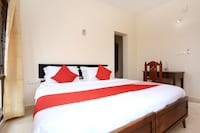 Capital O 15150 Hotel Townhouse Club - Near Airport - Trivandrum