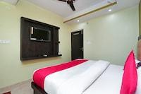 OYO 15169 Hotel Rk Inn Suite