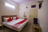 OYO 15212 Hotel Seema