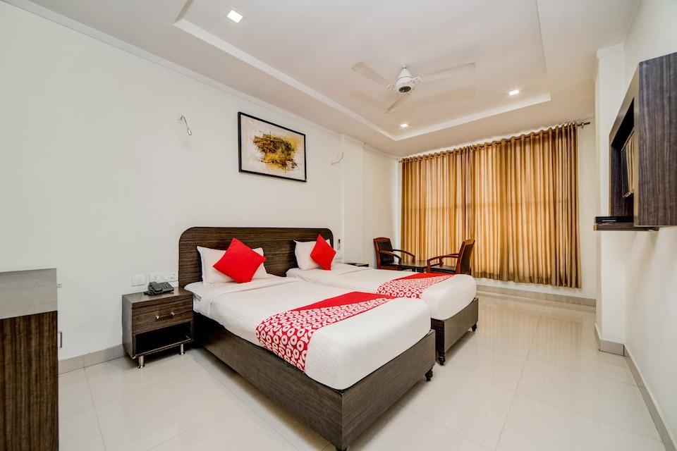 Collection O 15233 Hotel G7 Padma Nagar Colony