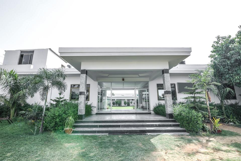 OYO 15243 Hotel Gulab Resort