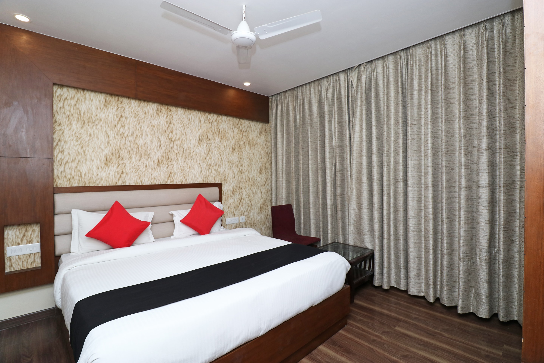 Hotels Near Cantt Railway Station  Varanasi With Banquet