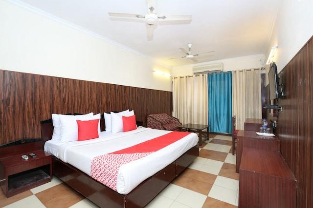 OYO 2690 Hotel Oscar Regency