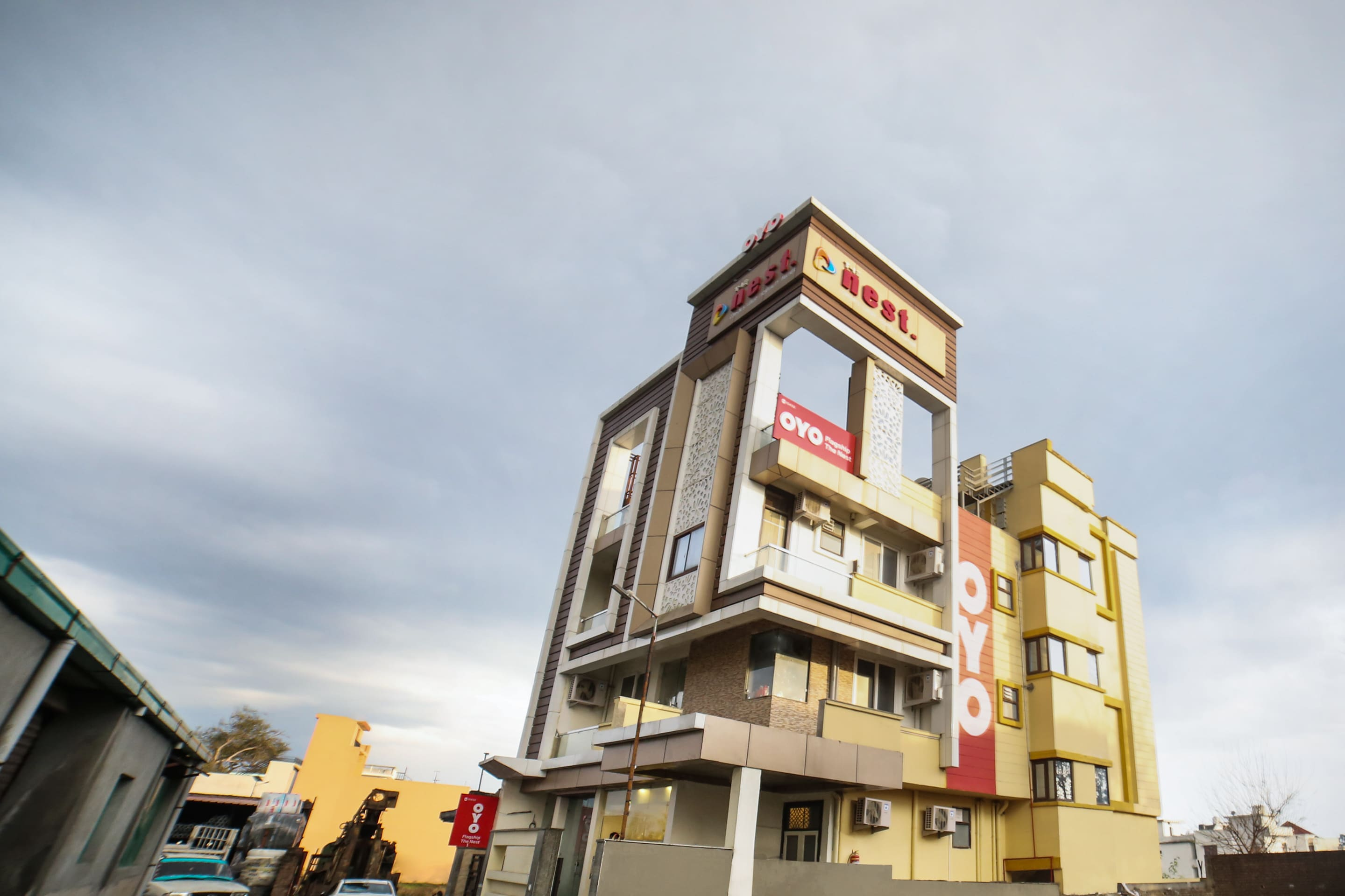 OYO Flagship 15432 Hotel The Nest