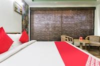 OYO 15445 Hotel Sheekhar Inn