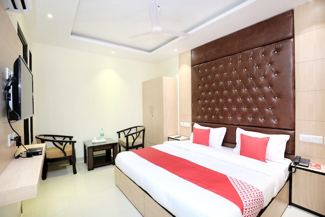 OYO 15486 Hotel New Diamond