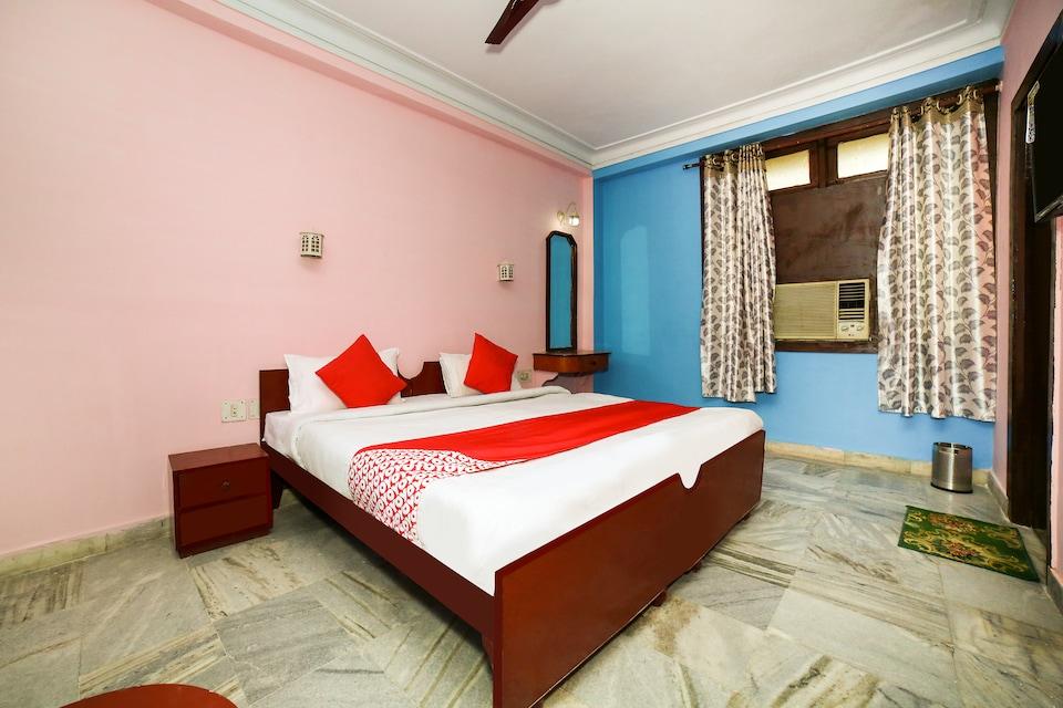 OYO 15512 Hotel Shivay