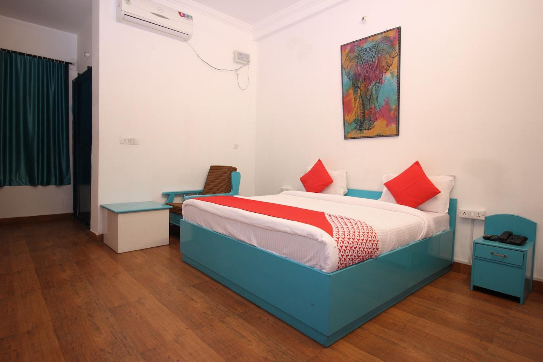 OYO 15518 Hotel Amar -1