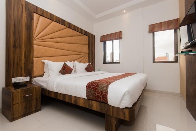 OYO 15519 Hotel Grand Residency Deluxe