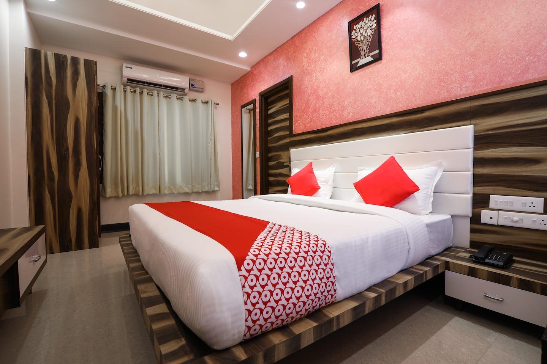 OYO 15556 Hotel Wind Palace -1